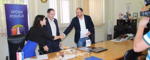 S današnjeg potpisivanja ugovora u Općini Posušje: Korak bliže konkurentnijim poslovima na tržištu